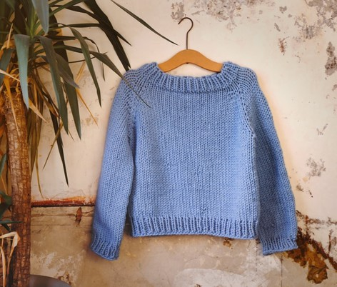 7cab4d9770e Knit me in a weekend  exclusive free super chunky sweater pattern ...