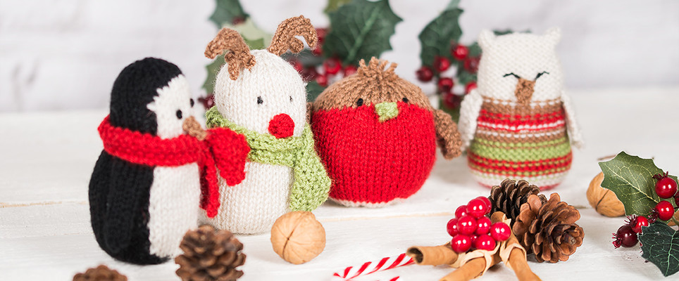 Christmas Carol Singers Ornaments.10 Free Patterns To Get You Knitting This Christmas