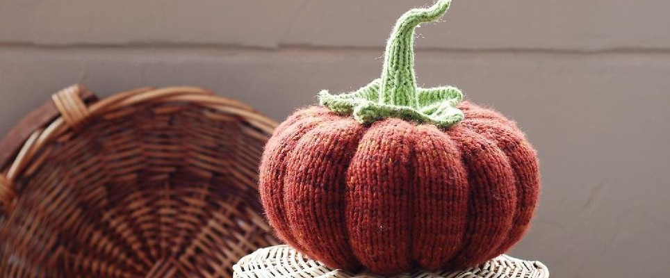 Halloween knitted pumpkin